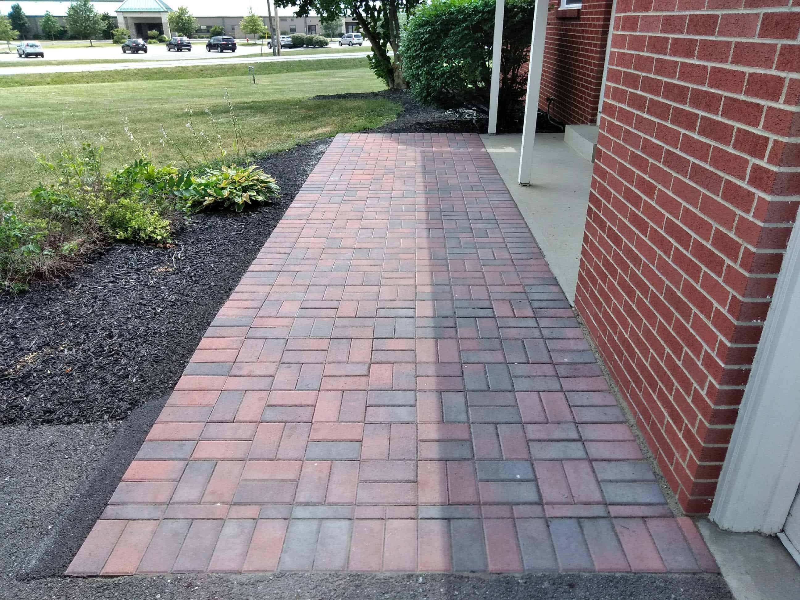 Paver-Walkway-Jack-Hanna-Zoo-Rental-Property
