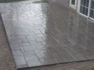 Tranquility colored platform pavers in a 5 piece pattern design